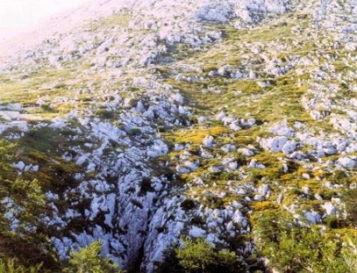 Jama ispod Sv. Jure pit – Biokovo